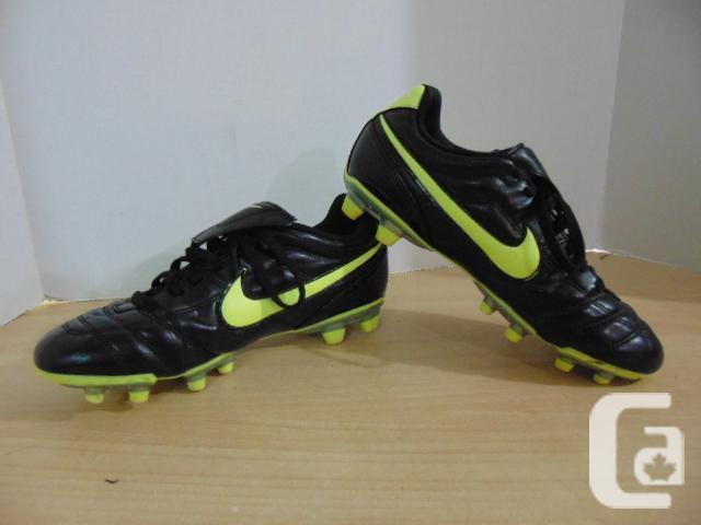 4c485dacc Soccer Shoes Cleats Men s Size 6 Nike Tiempo Black Green for sale in ...