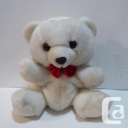 SOFT AND CUTE WHITE TEDDY BEAR PUPPET -- MINT -- NEVER