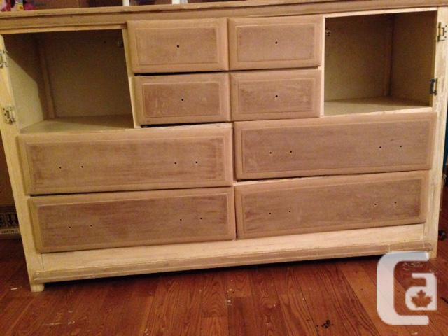 Solid Wood Bedroom Set For Sale In Burritts Rapids