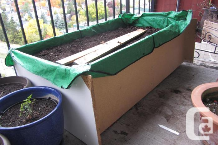 Free solid wooden planter boxes garden soil for sale in for Garden soil for sale