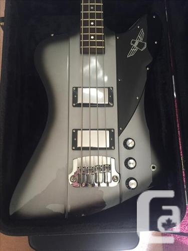 Special Edition Epiphone Thunderbird bass