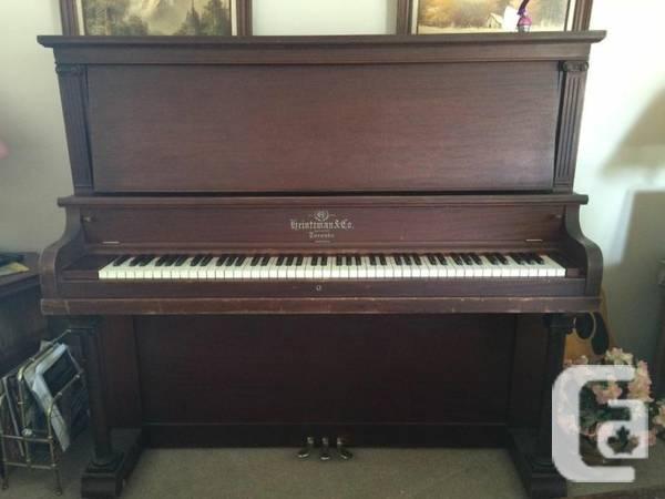Stunning Heintzman Piano - $550