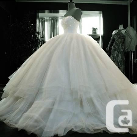 Stunning Wedding Gown/Bridal Ballgown - Completely New