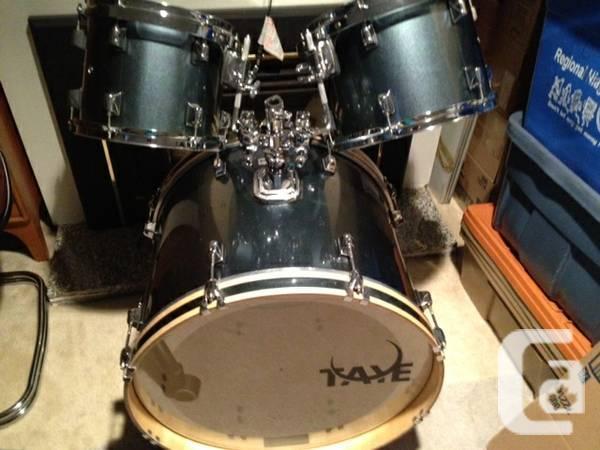Taye Drum Set - $400