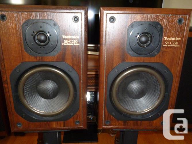 Technics SB-C250 Gorgeous Stereo Bookshelf Speakers