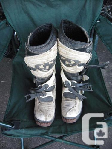 Thor T30 White dirtbike boots - dimension 9 - Dirtbike