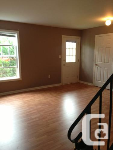 THREE BEDROOM TOWNHOUSE FOR RENT HEATED