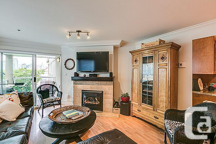 Townhouse For Sale in Fairview Slopes, Vancouver