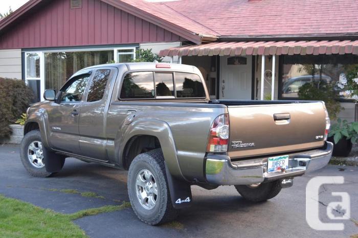 Toyota Tacoma SR5, 4X4, 4 cyl,