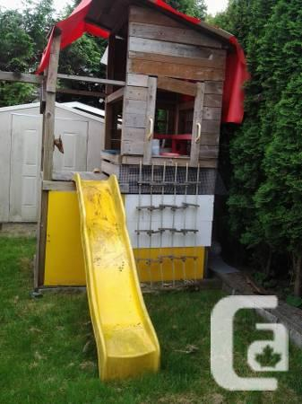Tree house stuff - Moulded Slide - $90