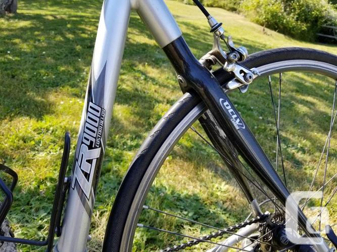 Trek 2100 Road bike