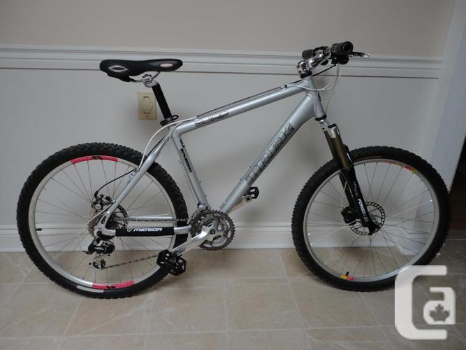 TREK 24 Speed Mountain Bike With MARZOCCHI Front