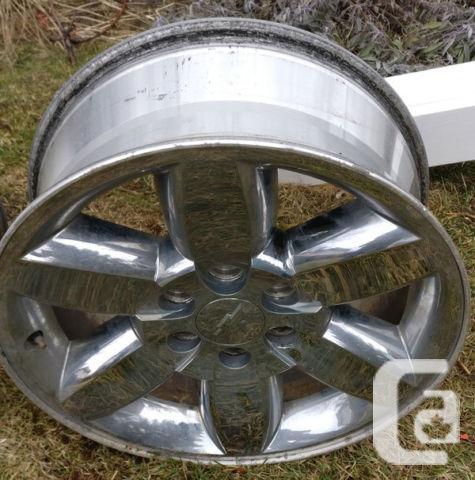 "TRUCK Chevy OEM Crome wheels 20"""