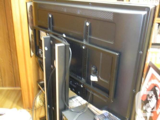 TV Stand/Brackets