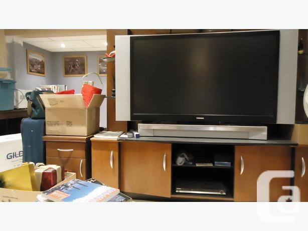 TV STAND - Holds 52