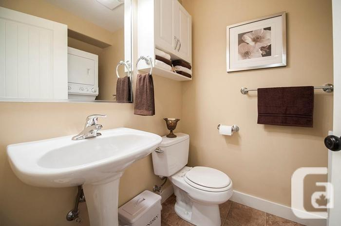 Two Bedroom Townhome  in Duncan,BC
