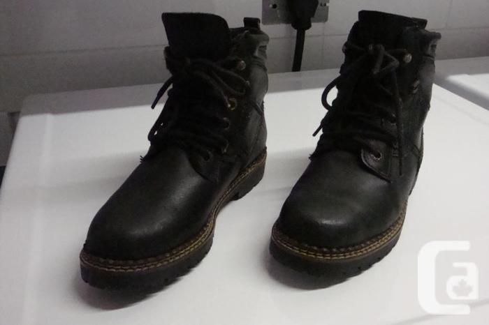 Unisex Hiker Boots (Doc Marten look-a-likes)
