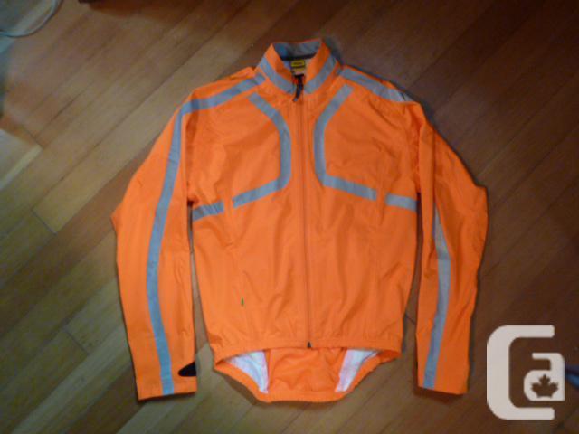 "Unisex Mavic ""RainRide"" Waterproof Cycling Jacket, Men's Medium"