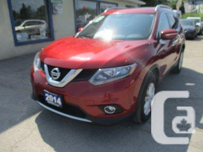 Used Nissan Rogue, 73000 Km, Red, Bradford