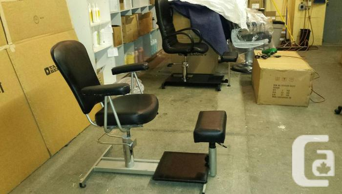 Used Pedicure station with hydraulic foot lift
