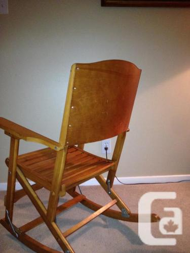 Vintage Canadian-Made folding rocking seat Clements 218