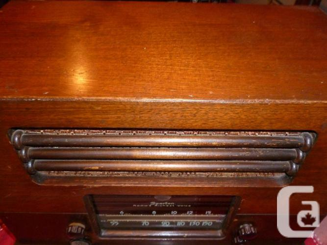 Vintage Spartan Model 6148 Antique Tube Radio