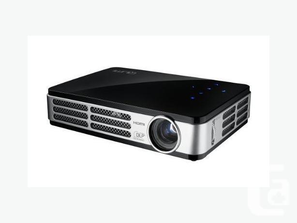 Vivitek Qumi Q2-LITE LED HD 720p-Rated as Best Pico