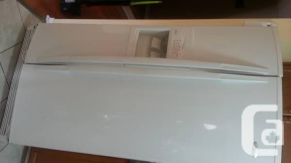 Whirlpoor 22 Cu. ft. Double door Refrigeration - $300