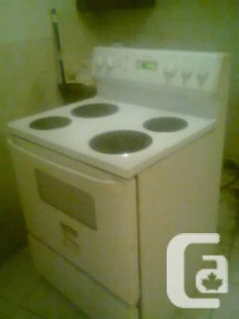 White MOFFAT Used Stove..$ 175/=..Delivery & Warranty -