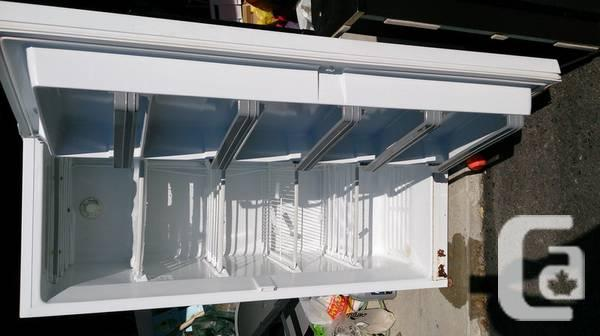 White upright freezer < 10yrs old - $125