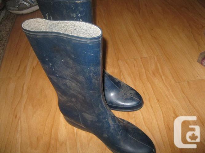 Women's Blue Rubber Boots - size 7