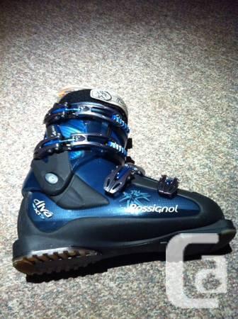Womens Rossignol ski boots 27,5 - $130