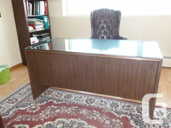 WOOD TABLE t/Glass on the top - $125