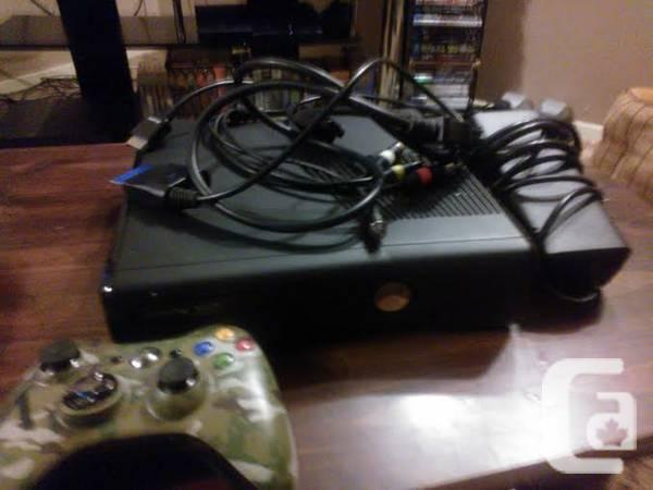 Xbox 360 Slim 250 GB + Lots of other Games and