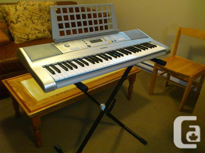 Yamaha keyboard with stand and bench for sale in brentwood Keyboard stand and bench