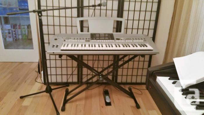 Yamaha Pro Portable Digital Orchestra Keyboard PSRS900
