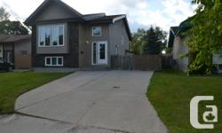 Residential property Type: Single Family Building Kind: Home Area Name: Stream Park South Neighbourhood Name: River Park South Title: Freehold Integrateded: 1983  2F / / Winnipeg/Showings begin Thursday July 17th, supplies assessed Tuesday July 22 eve.