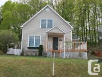 Very nice 2 story house located in Sherbrooke in the