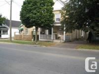 Excellent earning rental duplex near downtown