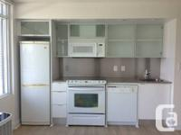 Fantastic 1 room unit in the heart of the city at Front