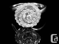 This mixed drink ring is framed in a stunning design of