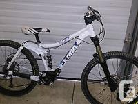 I am selling Kona Stinky 6 DH / FR Mountain Bike. It