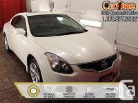 2010 Nissan Altima Coupe 2.5 S CVT Moonroof This 2010