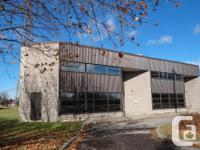 Sq Ft 4548 MLS 1089811 4,548 SF of office and warehouse