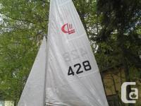 Awesome fiberglass daysailer. Fun boat to learn sailing