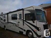 The new 2016 FR3 32DS has arrived! This unit is perfect