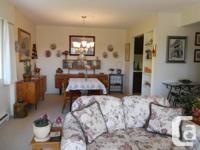 VICTORIA, BC - Sunny, 2 BR, nicely decorated furnished