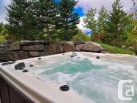 Hut, 4 bed rooms, 4.5 baths, sleeps 12-15.  *** 20 %