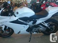 Come in today and take a seat on this beauty!The VFR800