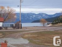 Cute 1 bd. 1 bath cabin located 1 1/2 blocks from